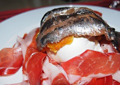 Acciuga del Cantabrico, Burrata e Crudo di Parma